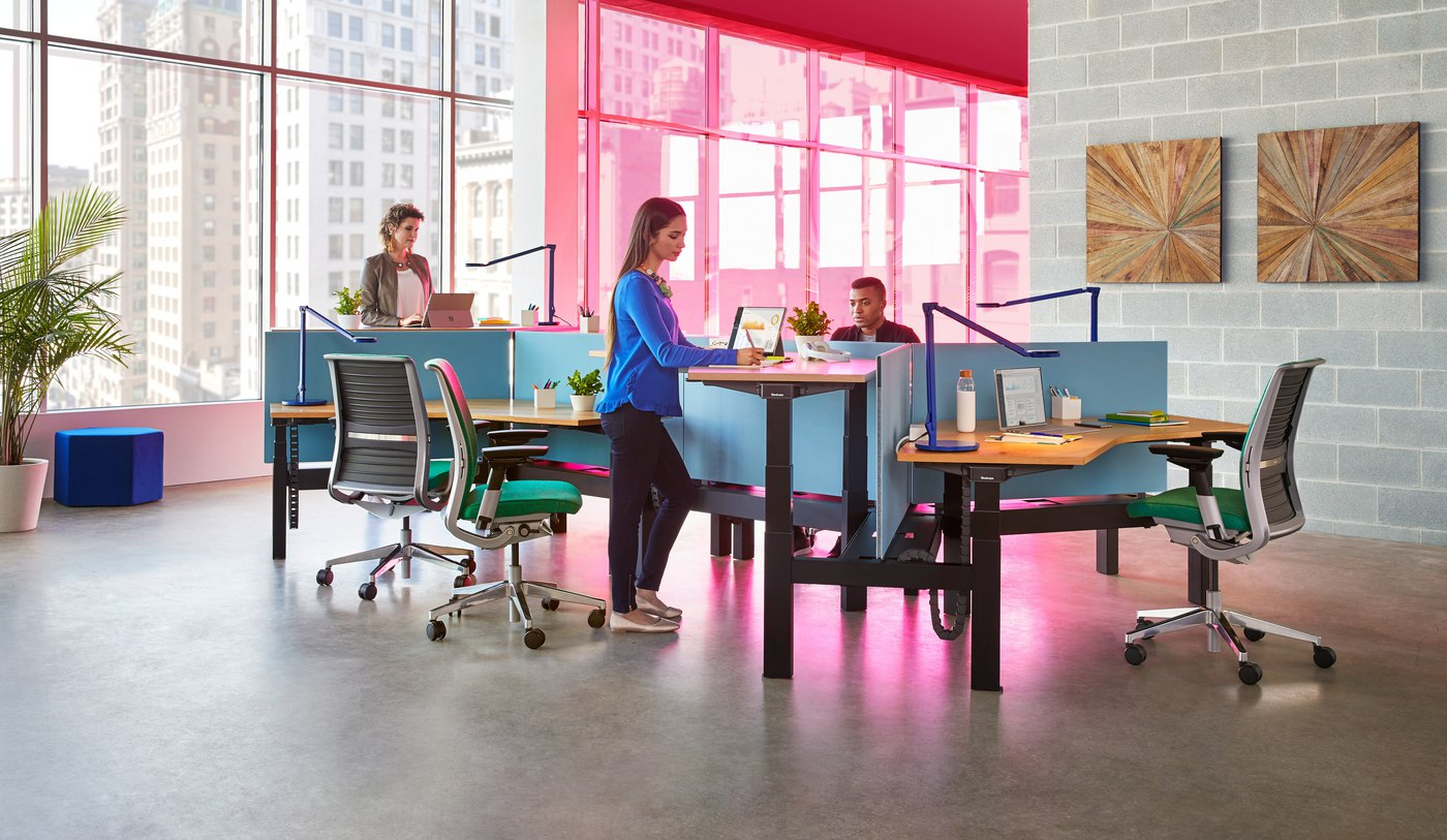 2020 Steelcase Ology Sit-Stand Review (Key Features, Pros & Cons)